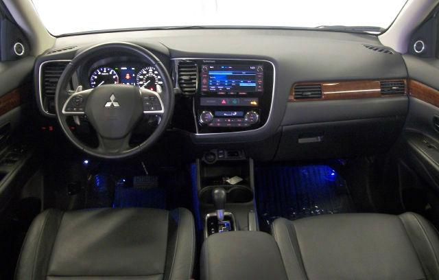 2013 Mitsubishi Outlander - photo 2