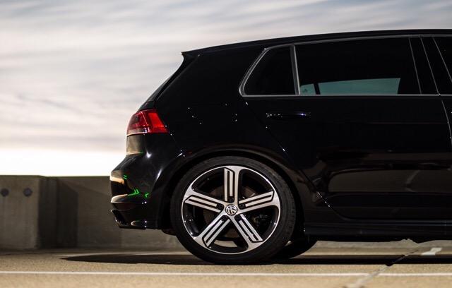 2016 Volkswagen Golf R - photo 3