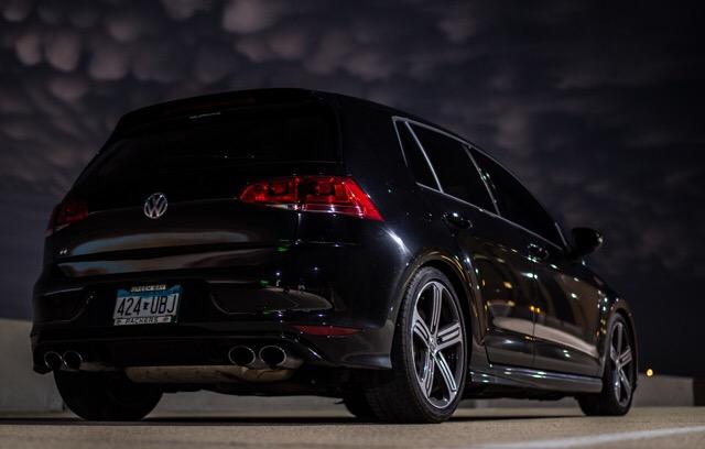 2016 Volkswagen Golf R - photo 2