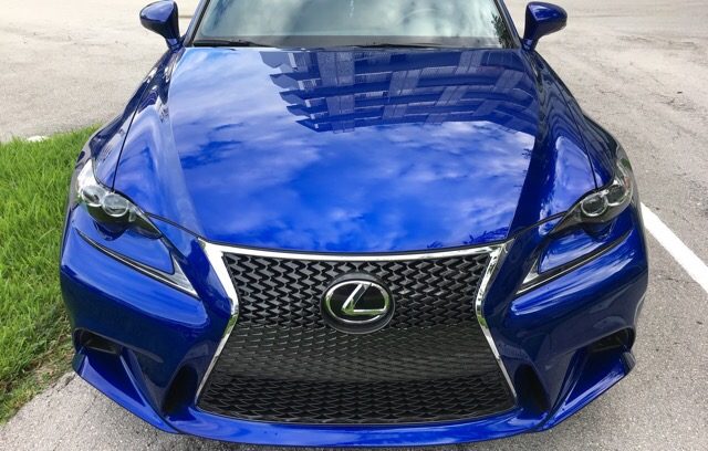 2016 Lexus IS 200t - photo 1