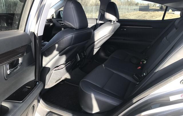 2016 Lexus ES 350 - photo 5