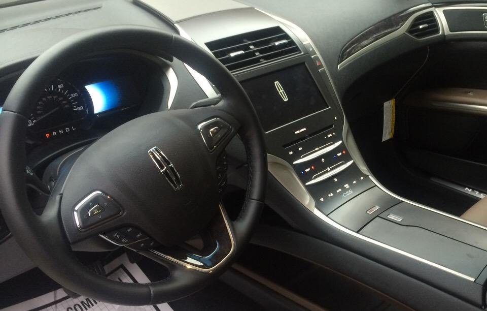 2015 Lincoln MKZ Hybrid - photo 3