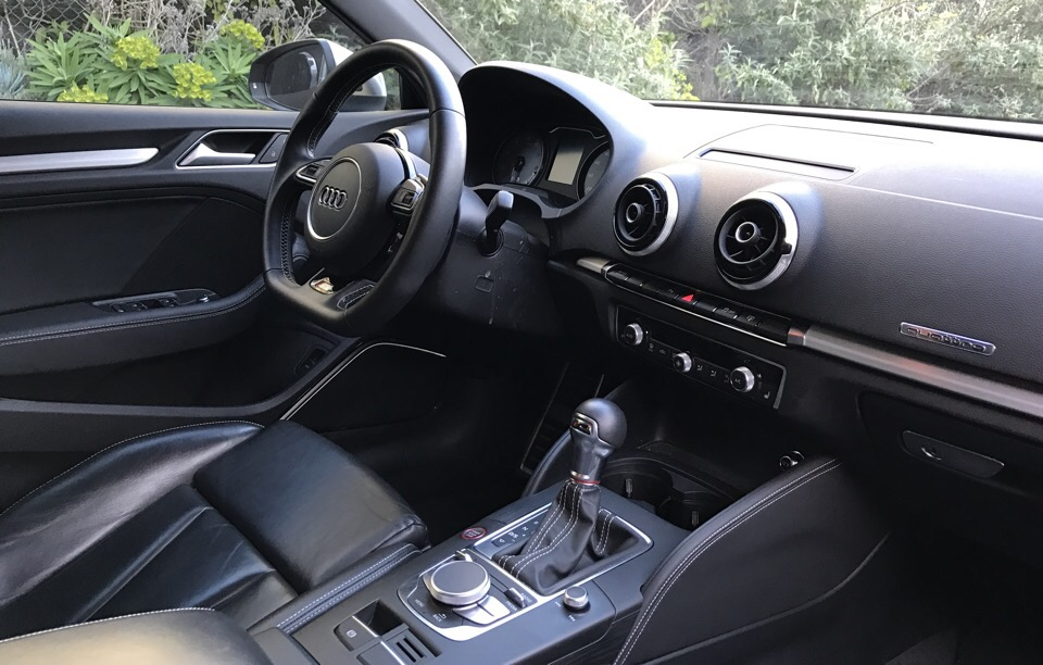 2015 Audi S3 - photo 2