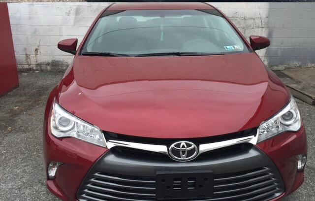 2015 Toyota Camry - photo 2