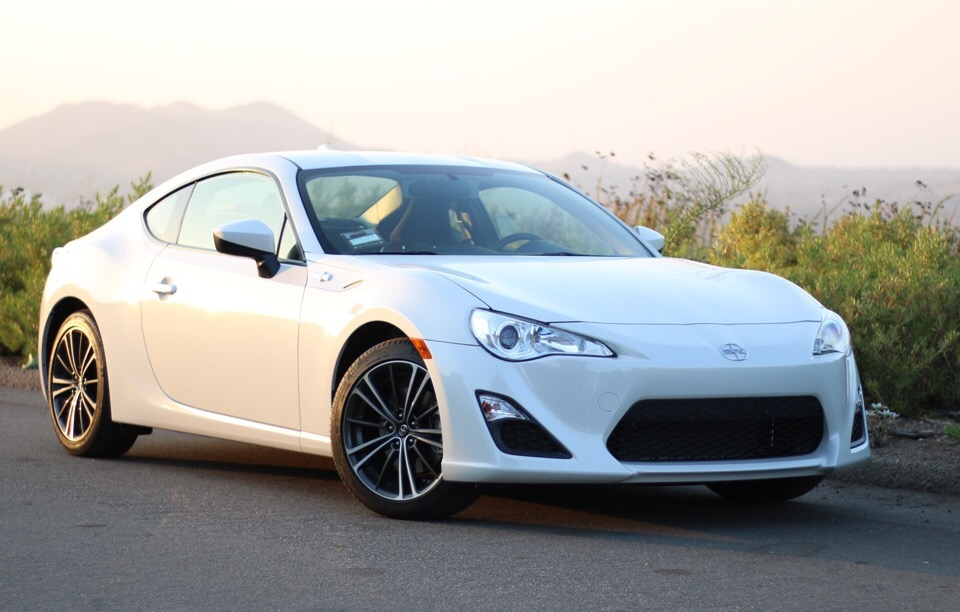 2016 Scion FR-S - photo 2