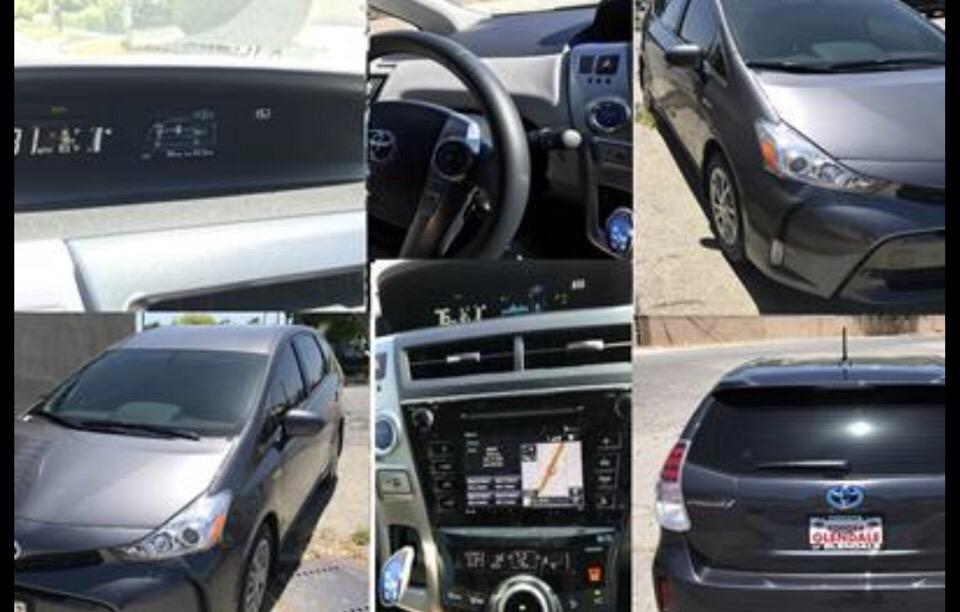 2017 Toyota Prius v - photo 0