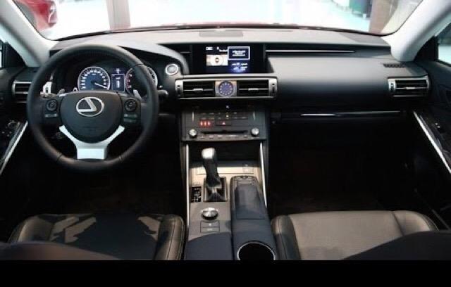 2016 Lexus IS 200t - photo 2