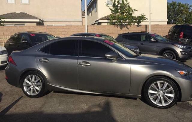 2016 Lexus IS 200t - photo 1