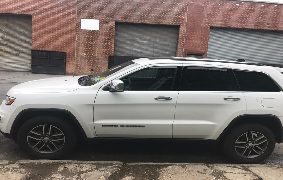 2017 Jeep Grand Cherokee - photo 3