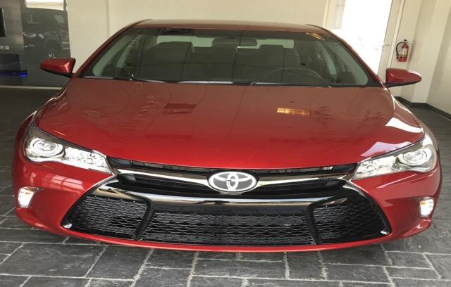 2017 Toyota Camry - photo 2