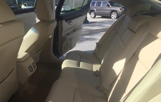 2014 Lexus ES 350 - photo 5