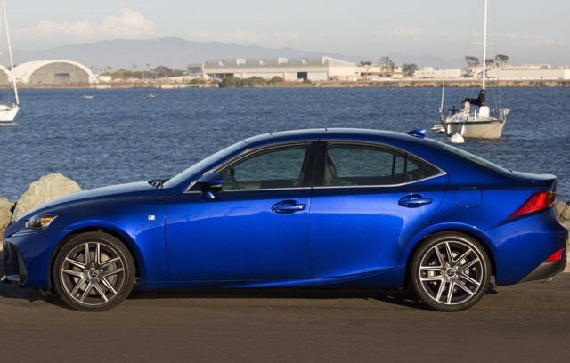 2016 Lexus IS 300 - photo 2