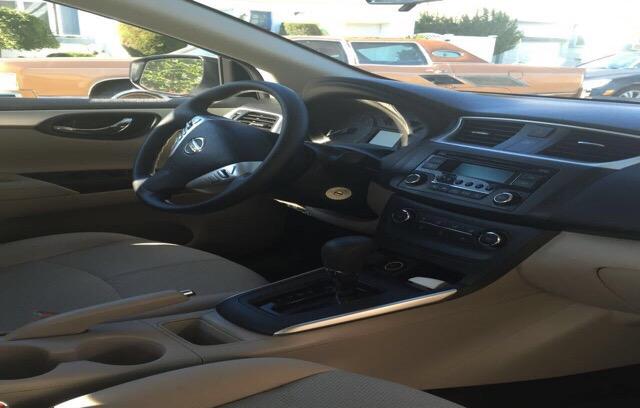 2016 Nissan Sentra - photo 2