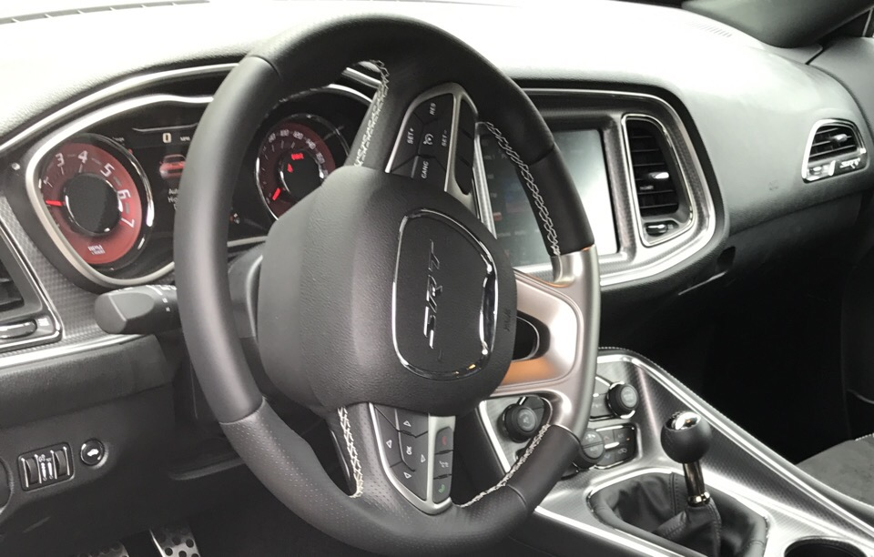 2016 Dodge Challenger - photo 2