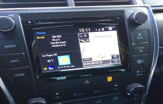 2016 Toyota Camry - photo 2