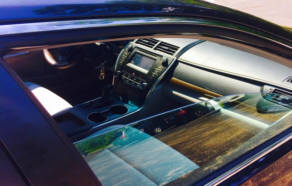 2015 Toyota Camry - photo 3