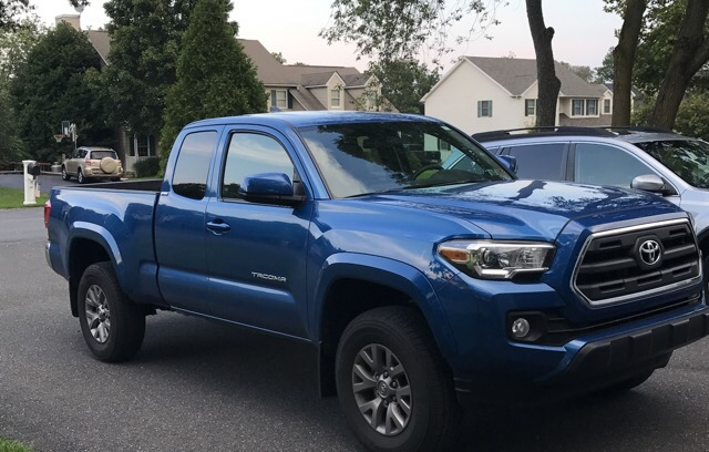 2017 Toyota Tacoma - photo 2