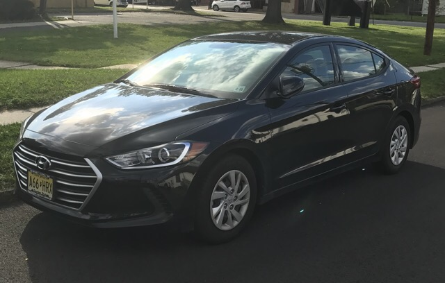 2017 Hyundai Elantra - photo 2