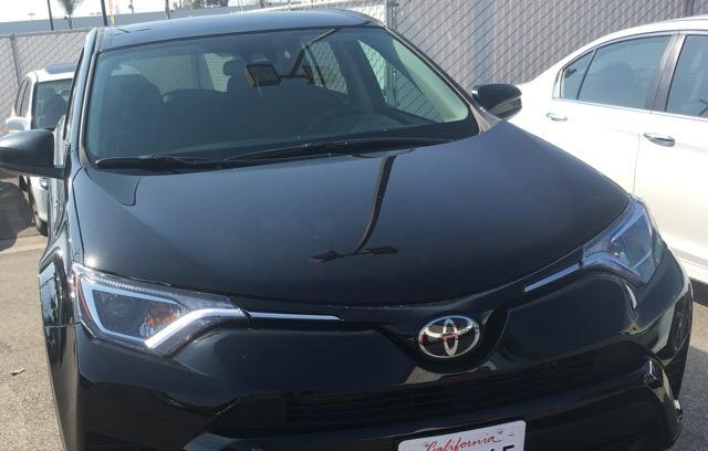2017 Toyota RAV4 - photo 1