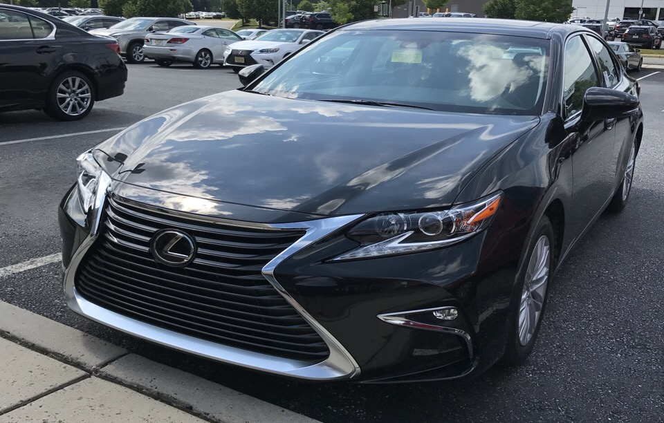 2017 Lexus ES 350 - photo 2