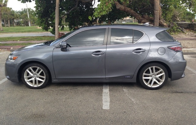 2015 Lexus CT 200h - photo 2