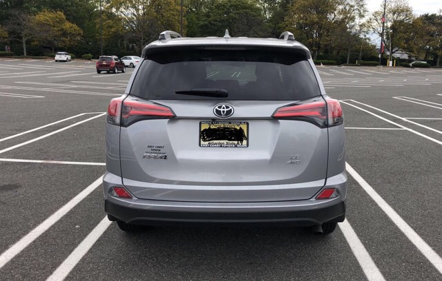 2017 Toyota RAV4 - photo 4