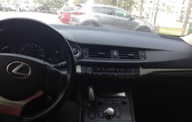 2015 Lexus CT 200h - photo 3