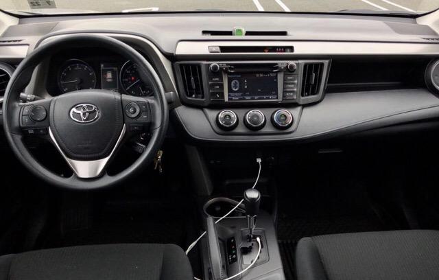 2017 Toyota RAV4 - photo 9