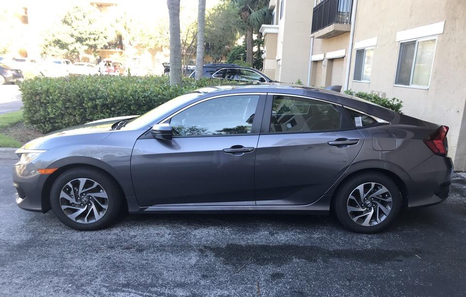 2017 Honda Civic - photo 0