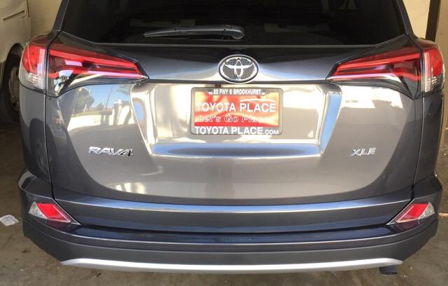 2016 Toyota RAV4 - photo 1