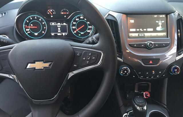 2017 Chevrolet Cruze - photo 2