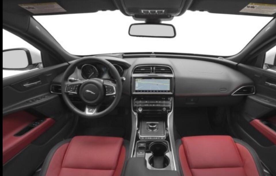 2017 Jaguar XE - photo 1