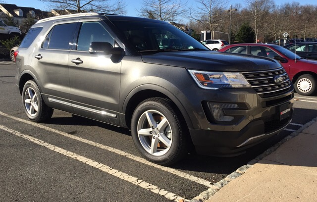 2017 Ford Explorer - photo 0