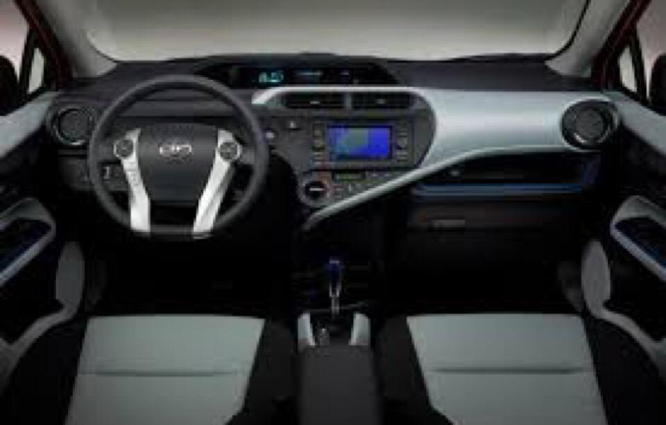 2014 Toyota Prius c - photo 3