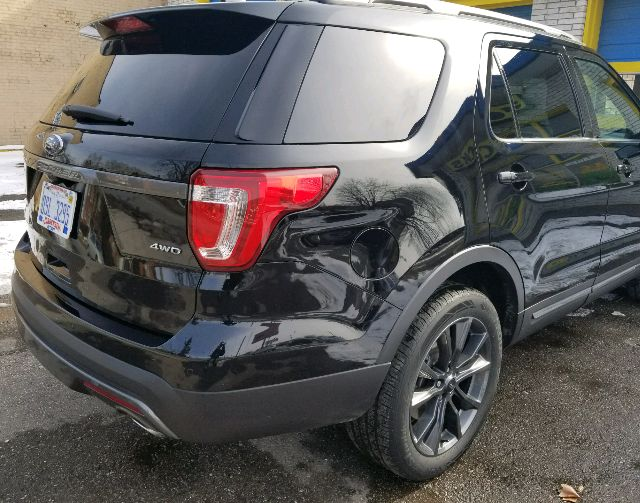 2017 Ford Explorer - photo 2