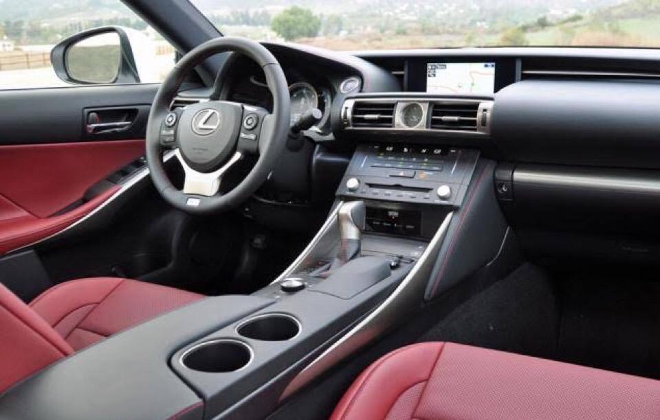 2016 Lexus IS 300 - photo 1