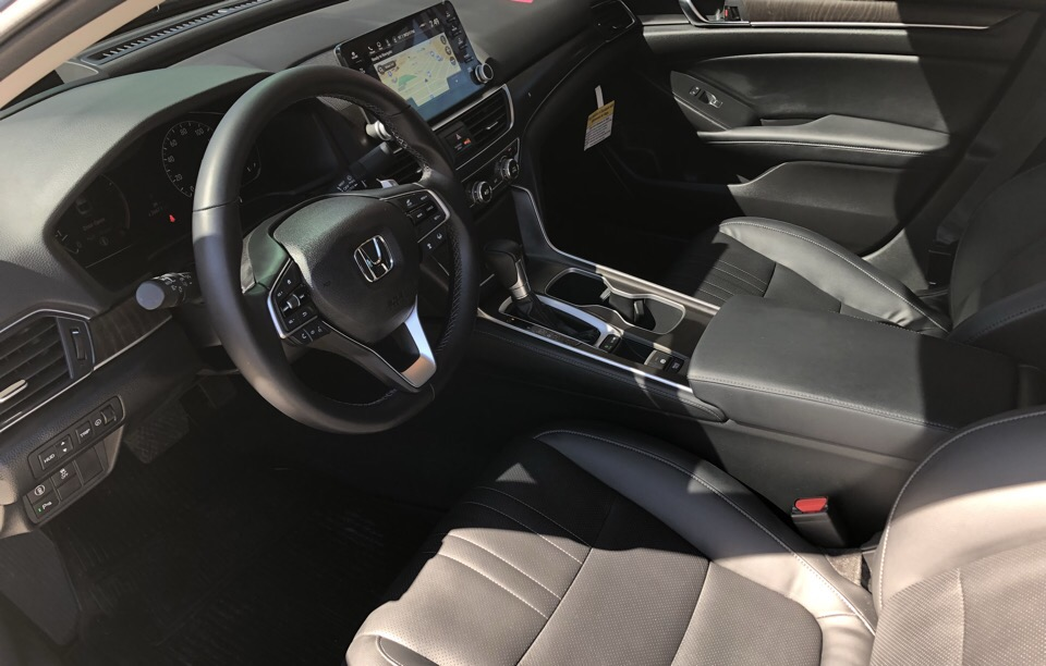 2018 Honda Accord - photo 3