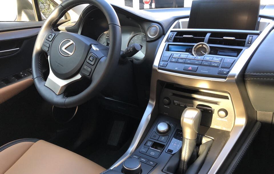 2017 Lexus NX 200t - photo 4