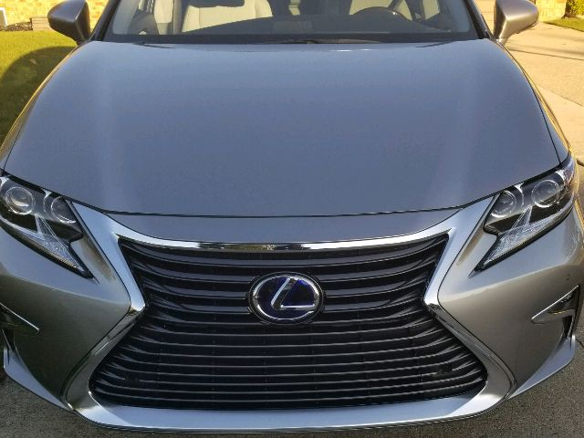 2017 Lexus ES 300h - photo 2