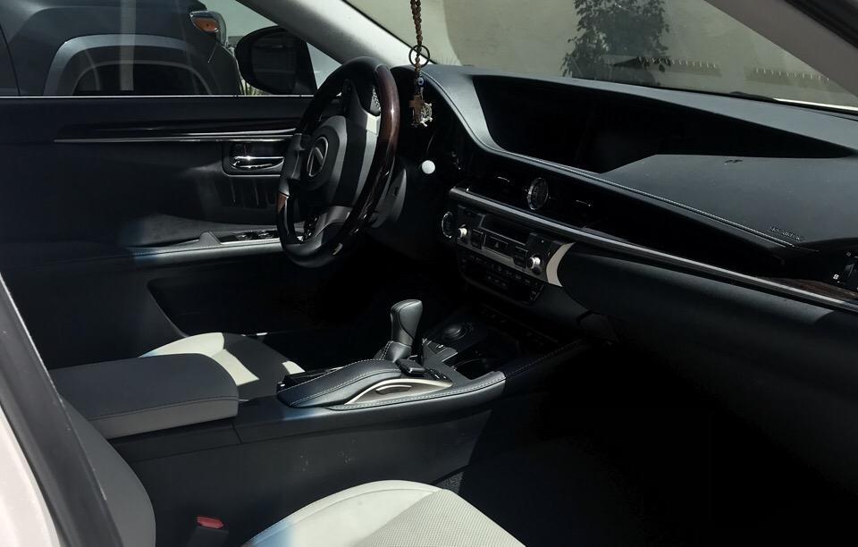 2017 Lexus ES 350 - photo 4