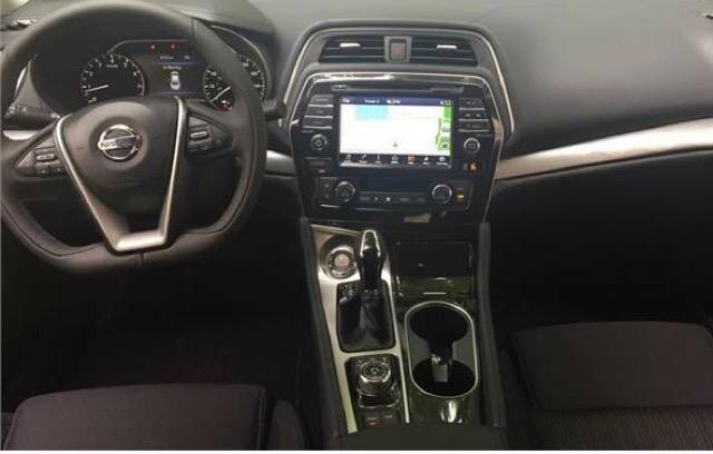 2017 Nissan Maxima - photo 2