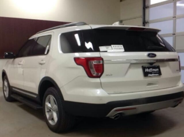 2017 Ford Explorer - photo 3