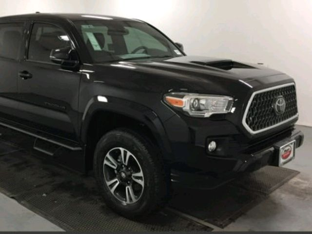 2017 Toyota Tacoma - photo 0