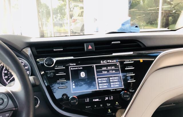 2018 Toyota Camry - photo 1