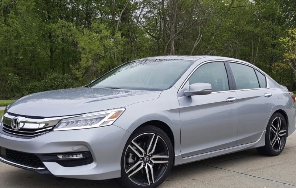 2017 Honda Accord - photo 1