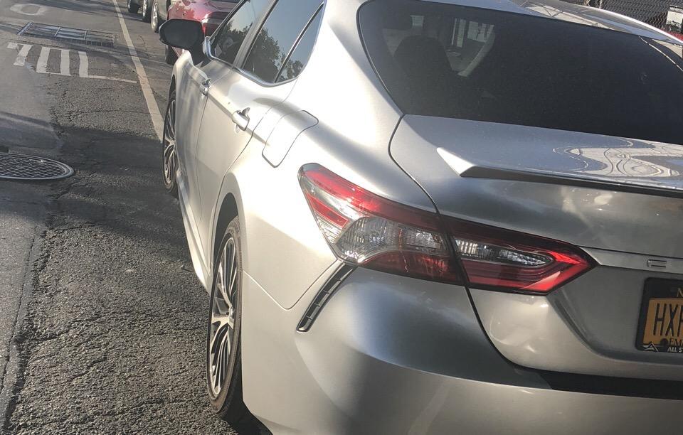 2018 Toyota Camry - photo 3