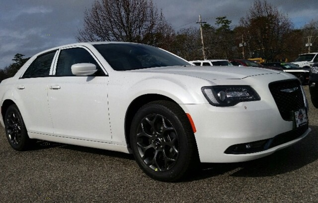 2016 Chrysler 300 - photo 1