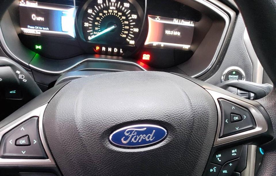 2017 Ford Fusion - photo 4