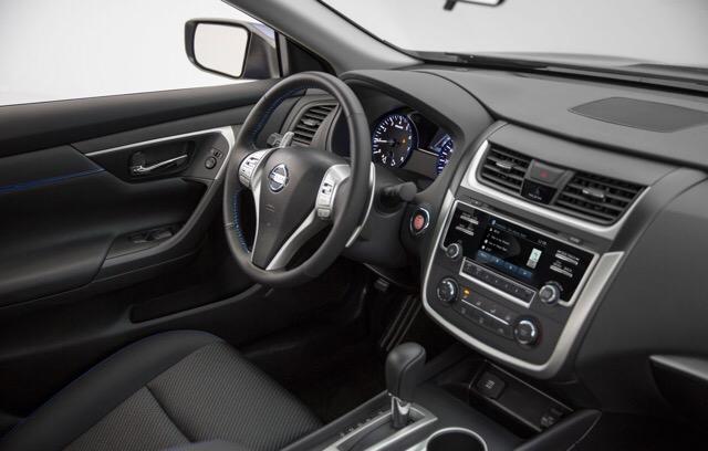 2017 Nissan Altima - photo 5
