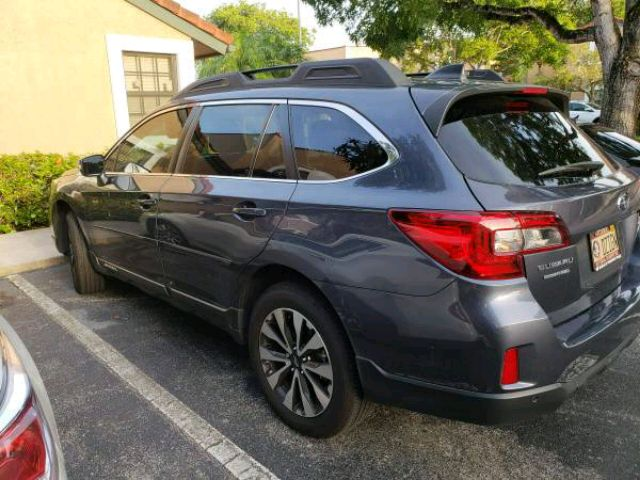 2017 Subaru Outback - photo 2